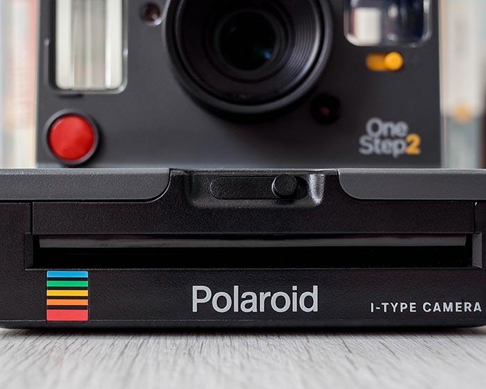 Polaroid OneStep 2 grafito